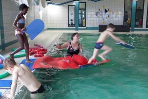 Kinder im Bewegungsbad